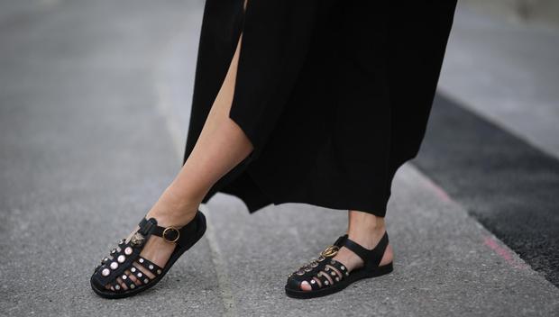 Фото №52 - Самые модные босоножки и сандалии лета 2021
