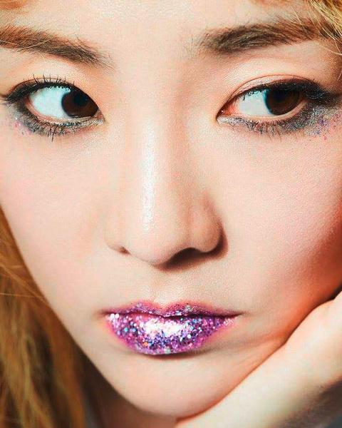 Фото №3 - Красивые не по своей воле: на какие жертвы идут девушки в Южной Корее, чтобы их приняли окружающие