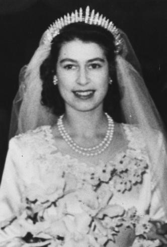Фото №14 - Королевские драгоценности: самые роскошные украшения Елизаветы II