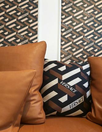 Фото №4 - Новая коллекция Versace Home в Милане