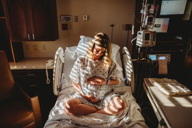 Врачи рассказали, как будут принимать роды у мам с коронавирусом