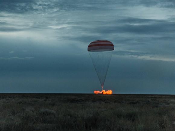 Фото №1 - В Музее космонавтики откроется выставка Эндрю Макконнелла «Возвращение»