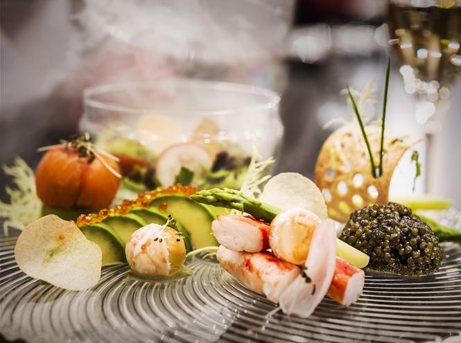 Фото №3 - Что едят шеф-повара: камчатский краб с соусом из шампанского
