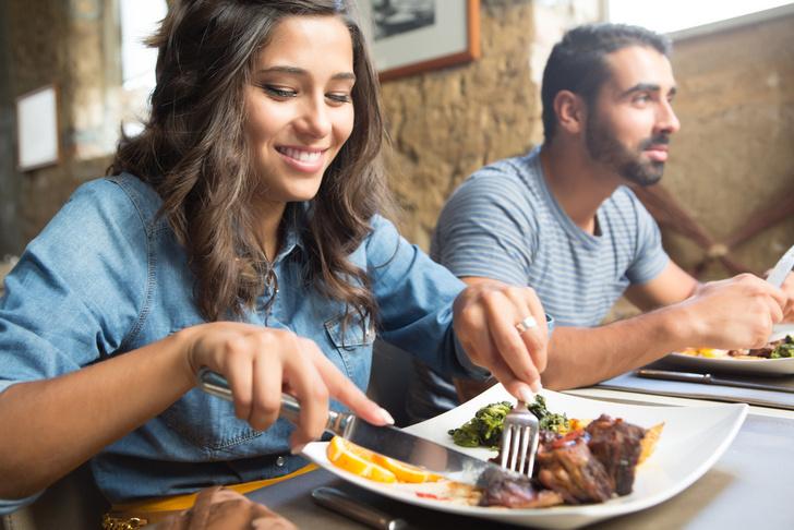 Фото №1 - Ученые выяснили, как освещение влияет на выбор еды в ресторанах