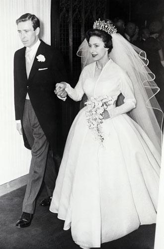 Фото №8 - Дизайнер Елизаветы II: как Норман Хартнелл установил правила королевского стиля