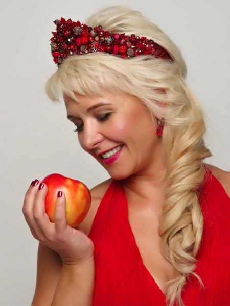 Фото №1 - Как победить возраст: маска из молодильных яблочек