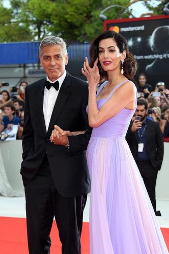 Фото №32 - Лучшие звездные образы за всю историю Венецианского кинофестиваля