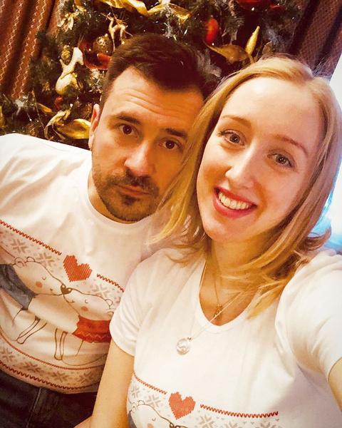 Фото №2 - «Ей было всего 13, когда мы познакомились»: трижды женатый Евгений Миллер рассказал о неудачах в прошлых отношениях