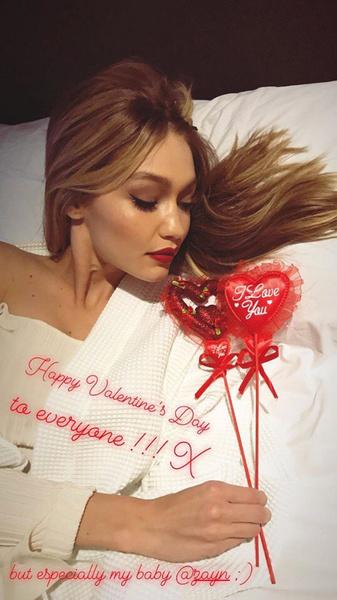 Фото №2 - Смотри, как звезды отпраздновали День святого Валентина