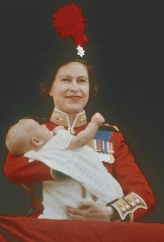 Фото №2 - Обделенный принц: почему младшему сыну Королевы не достался титул герцога