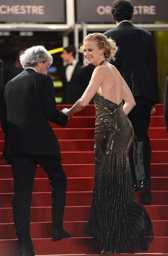 Фото №43 - Королева Канн: все модные образы Николь Кидман за историю кинофестиваля