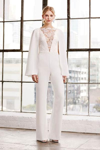 Фото №6 - Свадебная мода: выбираем платье для девушек с формами