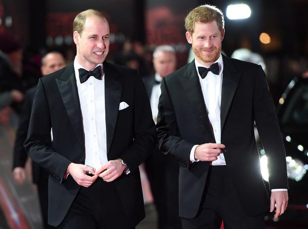 Фото №6 - Конец «Великолепной четверки»: зачем герцоги Кембриджские и Сассекские делят королевский двор