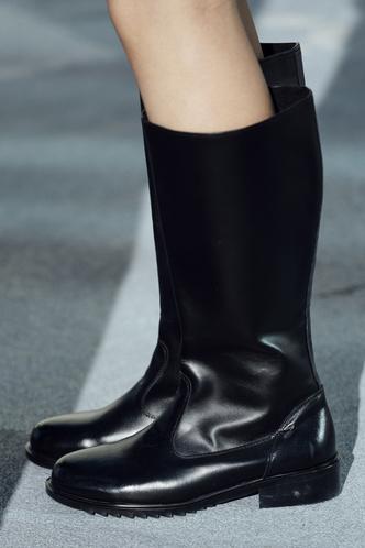 Фото №5 - Какие сапоги будем носить осенью 2021: 5 самых трендовых моделей