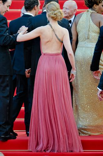 Фото №35 - Королева Канн: все модные образы Николь Кидман за историю кинофестиваля