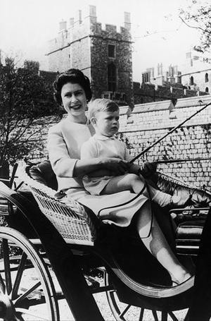 Фото №3 - Самое время для материнства: монаршие особы, родившие после 35 лет