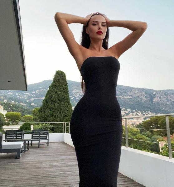 Фото №2 - Женатикам не смотреть! Решетова в обтягивающем черном платье изумила мужчин