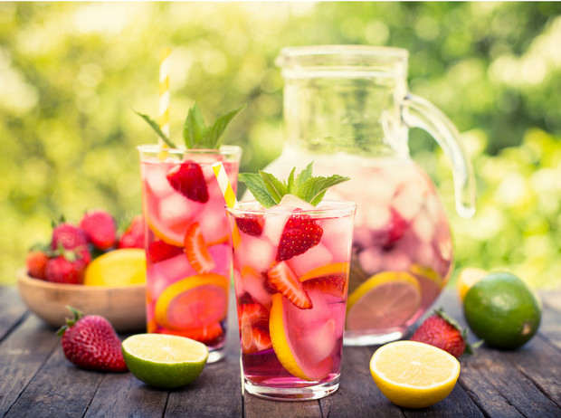 Фото №1 - Сангрия, пунш, слаш: лучшие рецепты освежающих напитков