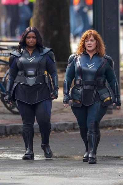 Фото №1 - Бодипозитив: супергероинь в новом фильме Netflix сыграют актрисы plus size