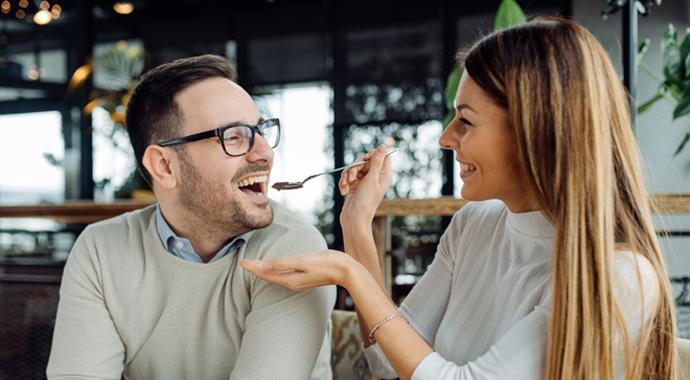 «Хочу на ручки»: почему партнер не должен играть роль родителя
