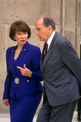 Фото №17 - Первые леди Франции: от Ивонны де Голль до Карлы Бруни-Саркози