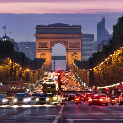 Фото №1 - Чего не надо делать в Париже