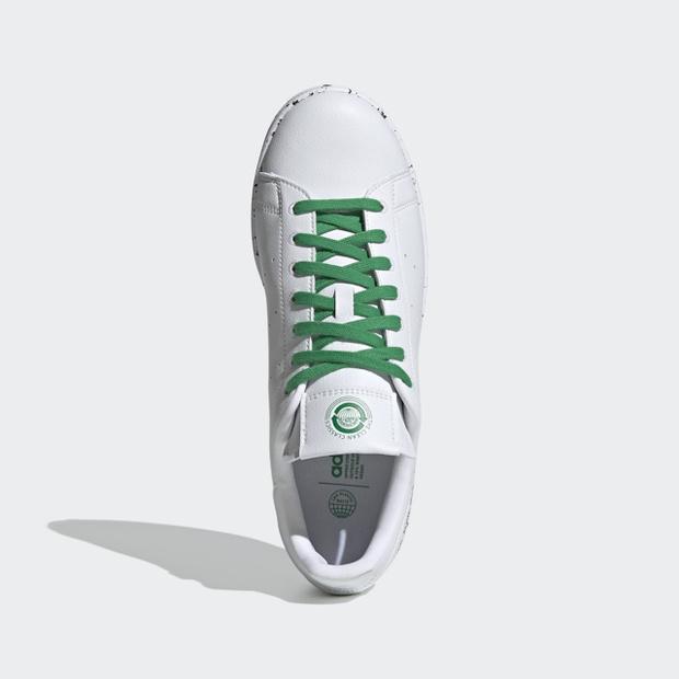 Фото №3 - Кроссовки недели: экологичные adidas Clean Classics