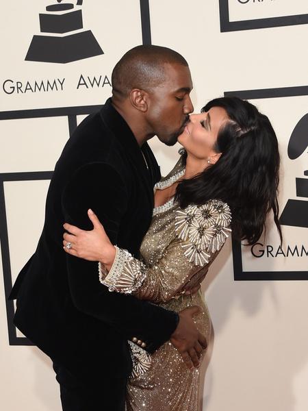 Фото №3 - Поцелуи знаменитостей, за которые становится неловко