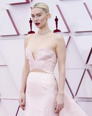Фото №21 - «Оскар-2021»: лучшие образы церемонии награждения