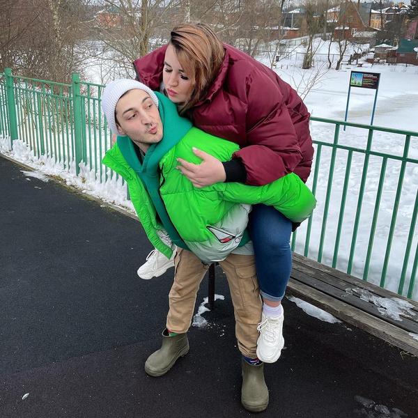 Фото №2 - Инсульт матери, спор на деньги: почему звезда «Дом-2» похудела до 158 кг
