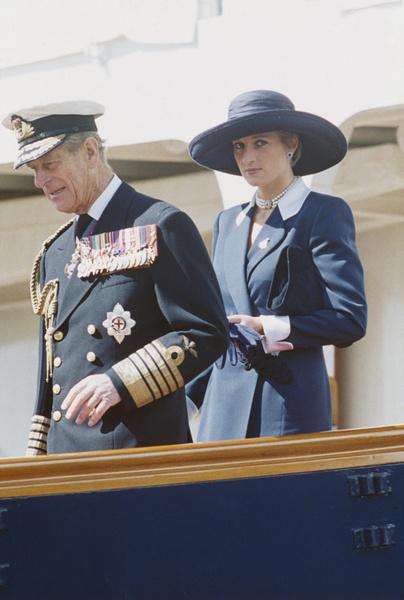 Фото №1 - Кого из королевской семьи принцесса Диана ненавидела больше всего