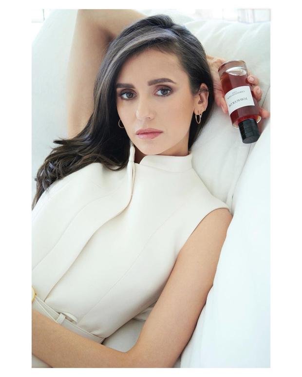 Фото №1 - Нина Добрев стала амбассадором нового аромата Maison Christian Dior
