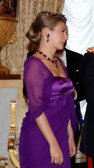 Фото №12 - Самые красивые и дорогие тиары королевской семьи Люксембурга