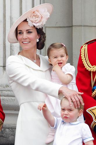 Фото №19 - Суровые уроки стиля, которые Кейт Миддлтон усвоила в браке с принцем Уильямом