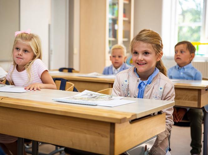 Фото №6 - Как принцесса Эстель провела свой первый день в школе