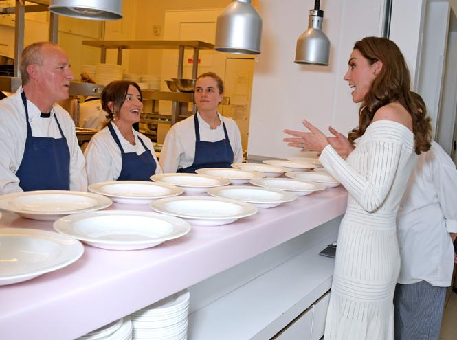 Фото №5 - Герцогиня Кейт выступила в поддержку наркозависимых