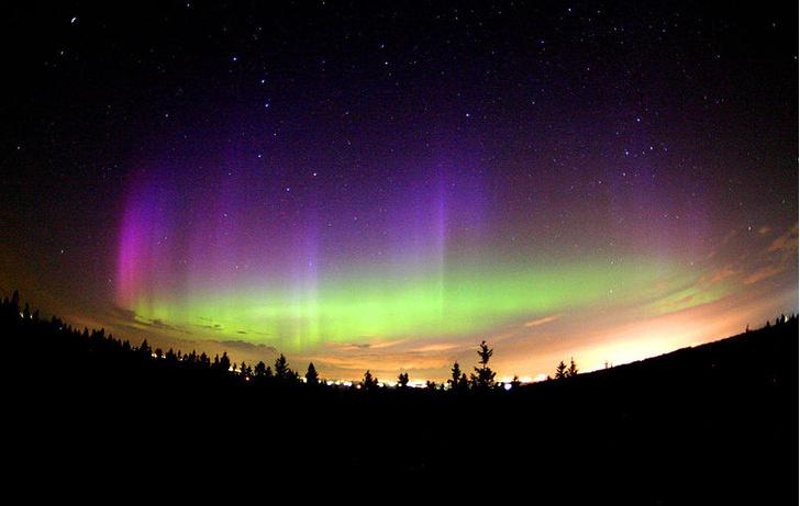 Фото №1 - Необычное северное сияние