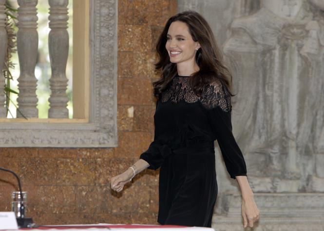 Фото №11 - Анджелина Джоли начинает удивлять