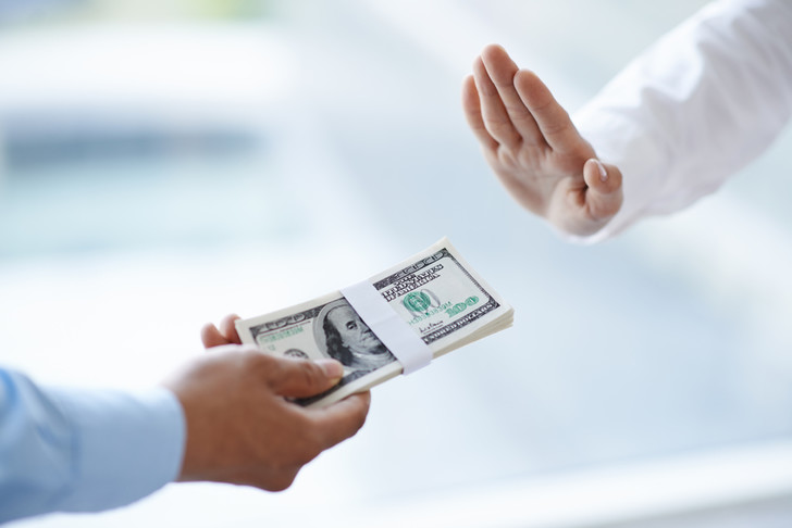 Фото №1 - Обнаружена связь между честностью населения и уровнем коррупции в стране