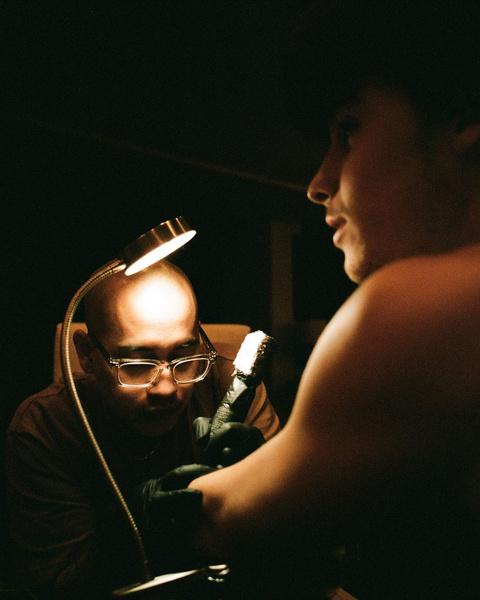 Фото №3 - Шон Мендес набил новую татуировку