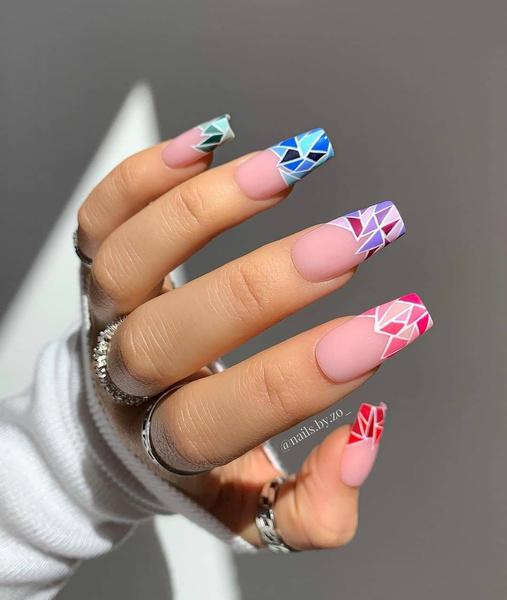 Фото №15 - Позалипать и вдохновиться: 45 крутых идей маникюра для длинных ногтей 💅