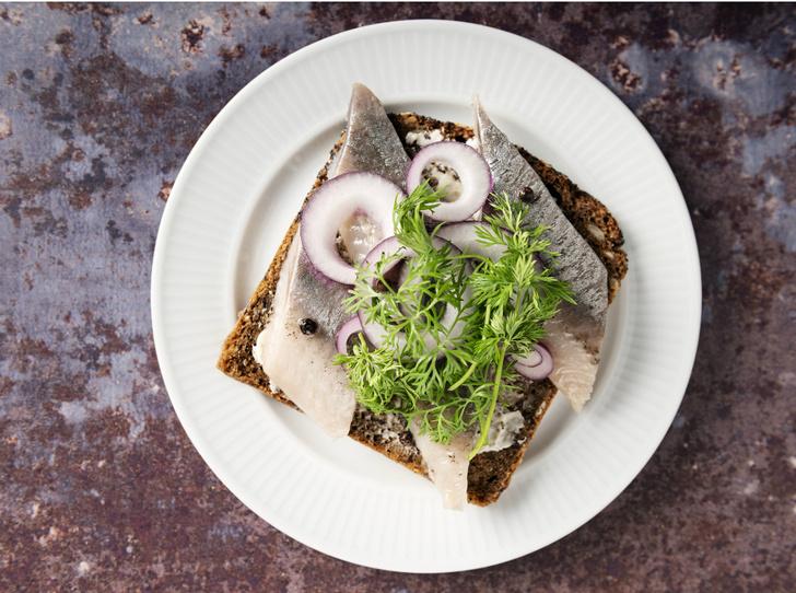 Фото №5 - Сморреброд: 5 рецептов популярного датского блюда