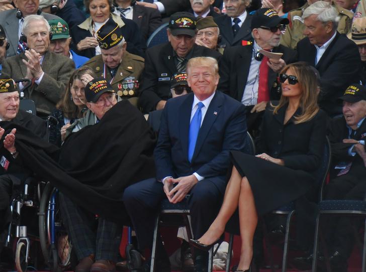Фото №1 - Меланию Трамп снова критикуют за нарушение протокола