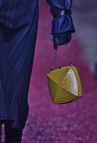Фото №2 - Как сочетать кожаные вещи между собой: мастер-класс от Hermès FW18-19