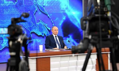 Фото №1 - Число активных пациентов с СOVID-19 в Петербурге превысило 70 тысяч