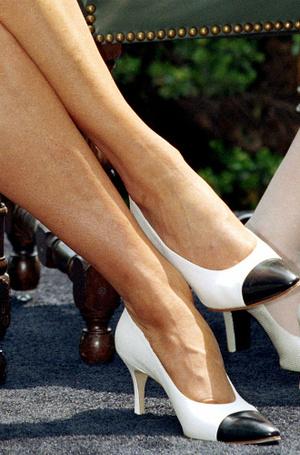 Фото №9 - Нелюбимая обувь принцессы Дианы
