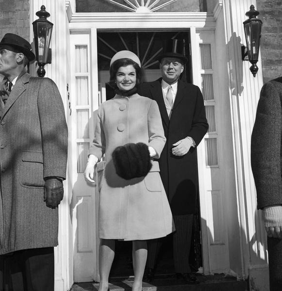Фото №2 - Что Джилл Байден наденет на инаугурацию: гадаем на любимых брендах Первых леди