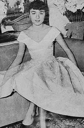 Фото №3 - Последняя императрица Ирана: «Они говорили, если я убью мужа, то смогу вернуться домой»