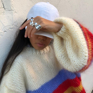 Фото №1 - Тест: Выбери осенний свитер, а мы скажем, в чем ты хороша