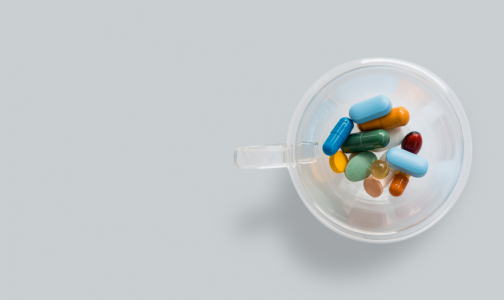 Фото №1 - Из-за коронавируса россияне с ВИЧ могут остаться без лекарств